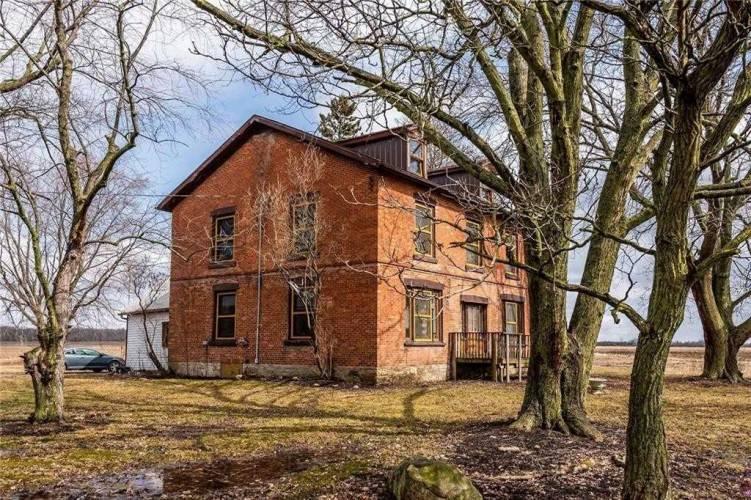 3063 Lakeshore Rd, Haldimand, Ontario N1A 2W8, 5 Bedrooms Bedrooms, 8 Rooms Rooms,2 BathroomsBathrooms,Detached,Sale,Lakeshore,X4745443