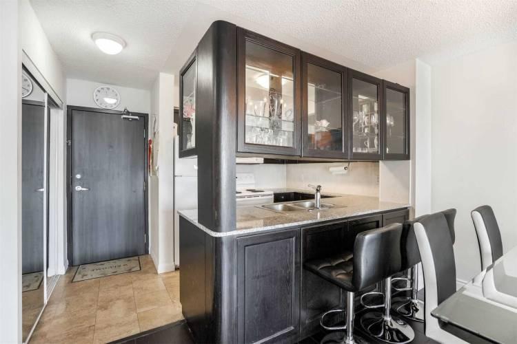 210 Victoria St- Toronto- Ontario M5B2R3, 1 Bedroom Bedrooms, 4 Rooms Rooms,1 BathroomBathrooms,Condo Apt,Sale,Victoria,C4810369