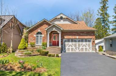 26 Elizabeth St- New Tecumseth- Ontario L9R 1L7, 3 Bedrooms Bedrooms, 8 Rooms Rooms,3 BathroomsBathrooms,Detached,Sale,Elizabeth,N4693985