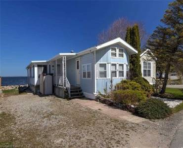 10 Winfield Dr, Tay, Ontario L0K 2A0, 2 Bedrooms Bedrooms, 5 Rooms Rooms,1 BathroomBathrooms,Mobile/trailer,Sale,Winfield,S4779882