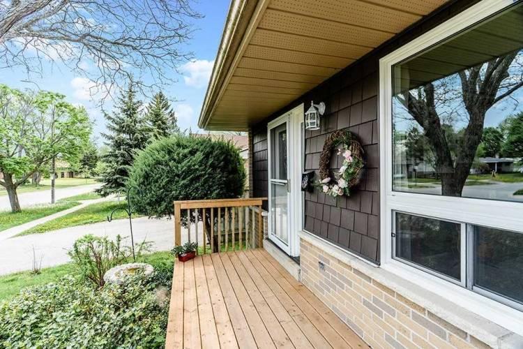 262 Cook St, Barrie, Ontario L4M 4H6, 3 Bedrooms Bedrooms, 7 Rooms Rooms,2 BathroomsBathrooms,Detached,Sale,Cook,S4811105
