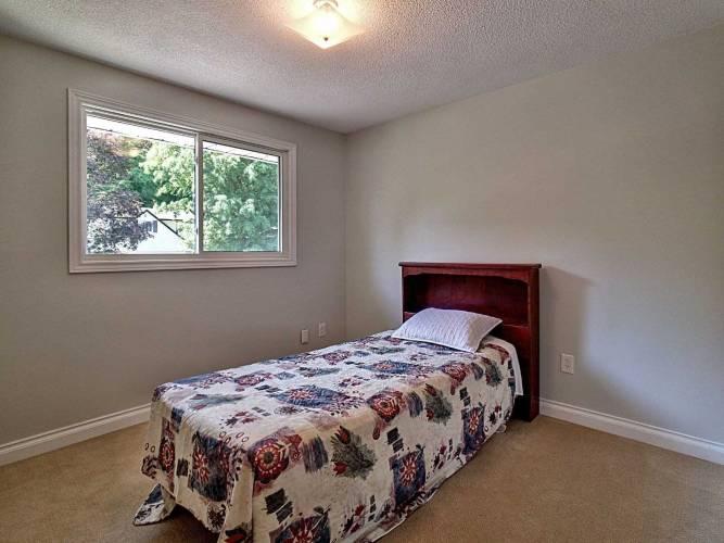 270 Parkmount Dr- Waterloo- Ontario Waterlo, 3 Bedrooms Bedrooms, 7 Rooms Rooms,2 BathroomsBathrooms,Detached,Sale,Parkmount,X4811111