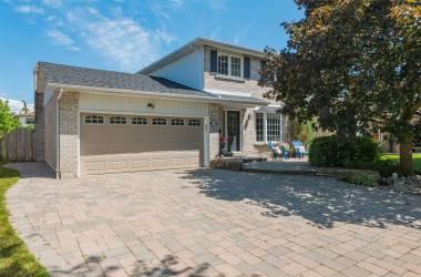 594 Brooks Howard Crt- Newmarket- Ontario L3Y 6V1, 3 Bedrooms Bedrooms, 9 Rooms Rooms,3 BathroomsBathrooms,Detached,Sale,Brooks Howard,N4811610