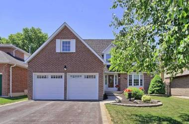 188 Willow Lane- Newmarket- Ontario L3Y6R8, 4 Bedrooms Bedrooms, 8 Rooms Rooms,3 BathroomsBathrooms,Detached,Sale,Willow,N4811809