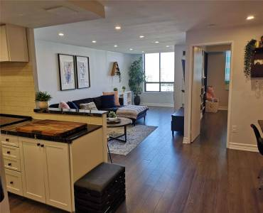 7601 Bathurst St, Vaughan, Ontario L4J4H5, 2 Bedrooms Bedrooms, 6 Rooms Rooms,2 BathroomsBathrooms,Condo Apt,Sale,Bathurst,N4810980
