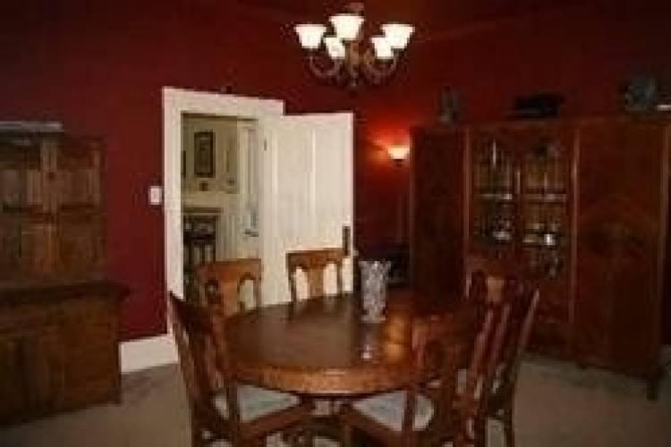 18 Wellington St, Orangeville, Ontario L9W2L5, 3 Bedrooms Bedrooms, 12 Rooms Rooms,3 BathroomsBathrooms,Semi-detached,Sale,Wellington,W4738207
