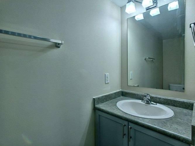 4975 Southampton Dr- Mississauga- Ontario L5M8E2, 2 Bedrooms Bedrooms, 4 Rooms Rooms,2 BathroomsBathrooms,Condo Townhouse,Sale,Southampton,W4810945