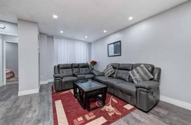 1335 Williamsport Dr- Mississauga- Ontario L4X2T4, 2 Bedrooms Bedrooms, 7 Rooms Rooms,2 BathroomsBathrooms,Condo Townhouse,Sale,Williamsport,W4811178