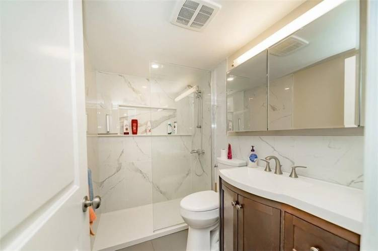 3590 Kaneff Cres- Mississauga- Ontario L5A 3X3, 3 Bedrooms Bedrooms, 9 Rooms Rooms,2 BathroomsBathrooms,Condo Apt,Sale,Kaneff,W4811263
