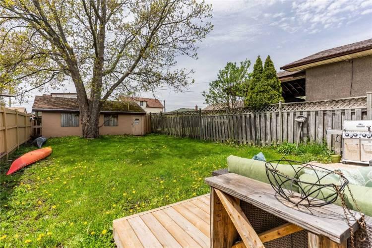 150 Iva St- Welland- Ontario L3B1W4, 2 Bedrooms Bedrooms, 5 Rooms Rooms,1 BathroomBathrooms,Detached,Sale,Iva,X4811602