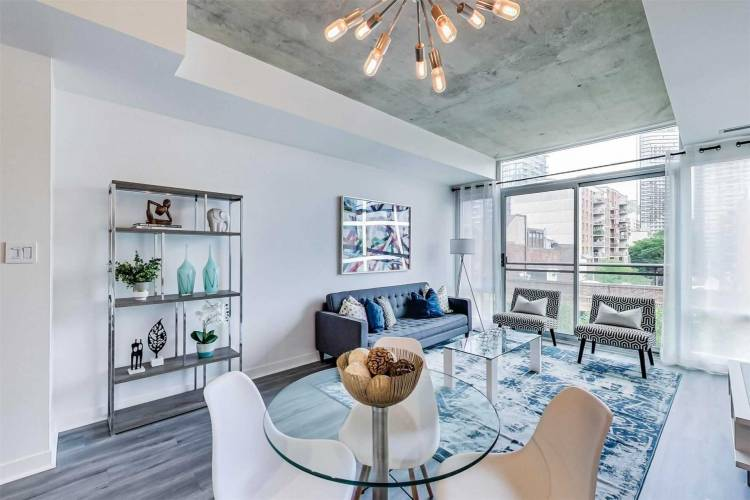 127 Queen St- Toronto- Ontario M5C1S3, 1 Bedroom Bedrooms, 5 Rooms Rooms,1 BathroomBathrooms,Condo Apt,Sale,Queen,C4811803