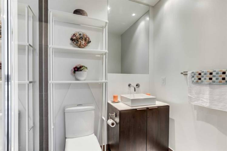 159 Dundas Sdrd, Toronto, Ontario M5B1E4, 2 Bedrooms Bedrooms, 5 Rooms Rooms,2 BathroomsBathrooms,Condo Apt,Sale,Dundas,C4811911