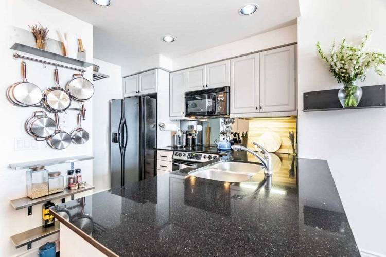 1101 Leslie St- Toronto- Ontario M3C4G3, 1 Bedroom Bedrooms, 4 Rooms Rooms,1 BathroomBathrooms,Condo Apt,Sale,Leslie,C4812058