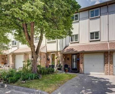 141 Galloway Rd- Toronto- Ontario M1E4X4, 3 Bedrooms Bedrooms, 6 Rooms Rooms,2 BathroomsBathrooms,Condo Townhouse,Sale,Galloway,E4811527
