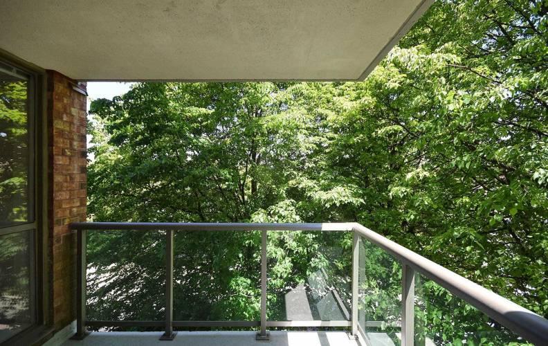 14924 Yonge St, Aurora, Ontario L4G 6H7, 2 Bedrooms Bedrooms, 6 Rooms Rooms,2 BathroomsBathrooms,Condo Apt,Sale,Yonge,N4787594