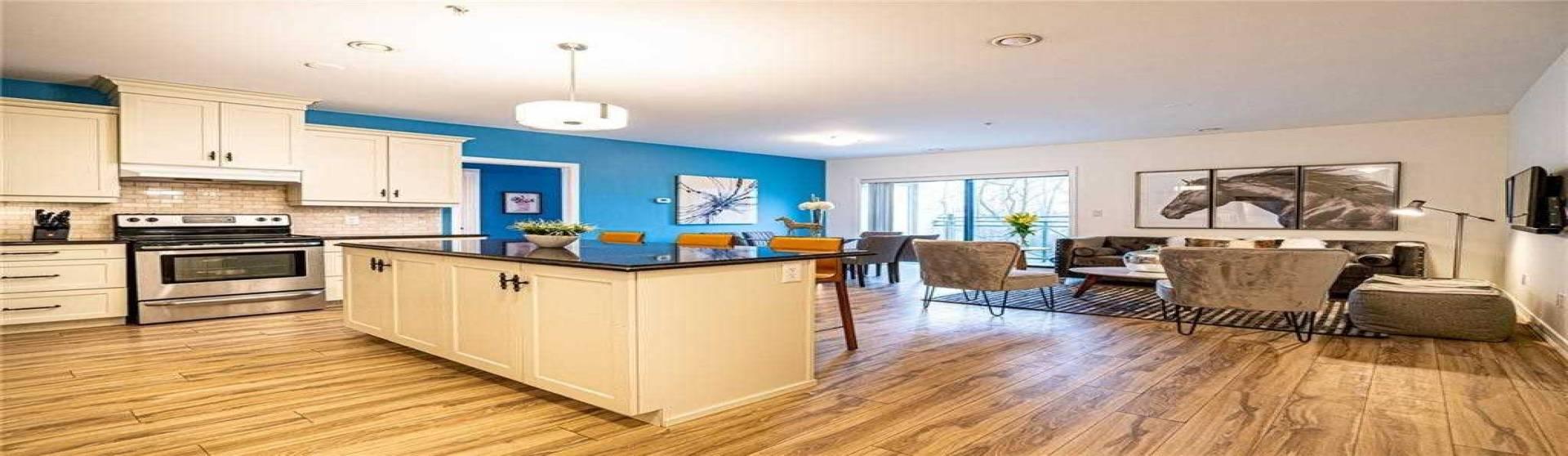 379 Scott St, St. Catharines, Ontario L2M 3W2, 2 Bedrooms Bedrooms, 7 Rooms Rooms,2 BathroomsBathrooms,Condo Apt,Sale,Scott,X4769244