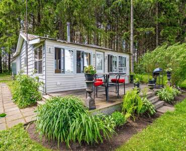 106 First St- Centre Wellington- Ontario N0B1J0, 2 Bedrooms Bedrooms, 5 Rooms Rooms,1 BathroomBathrooms,Cottage,Sale,First,X4792073