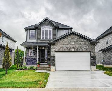 99 Forbes Cres, North Perth, Ontario N4W0B9, 3 Bedrooms Bedrooms, 3 Rooms Rooms,3 BathroomsBathrooms,Detached,Sale,Forbes,X4812990