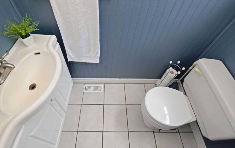 9 Foord Rd, Ajax, Ontario L1S1K6, 4 Bedrooms Bedrooms, 9 Rooms Rooms,2 BathroomsBathrooms,Detached,Sale,Foord,E4813026