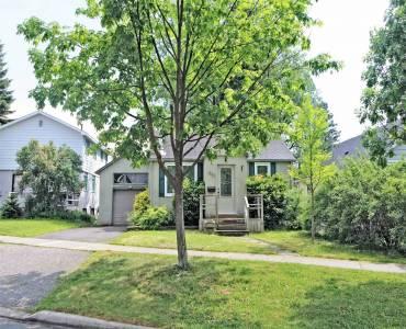 696 Crescent Rd- Newmarket- Ontario L3Y2C3, 2 Bedrooms Bedrooms, 5 Rooms Rooms,2 BathroomsBathrooms,Detached,Sale,Crescent,N4787849