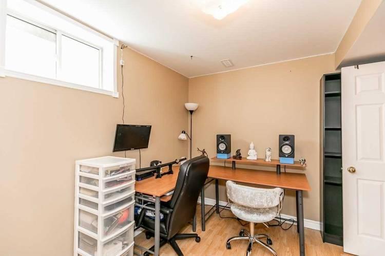 172 Pringle Dr, Barrie, Ontario L4N0P7, 3 Bedrooms Bedrooms, 7 Rooms Rooms,4 BathroomsBathrooms,Detached,Sale,Pringle,S4813217