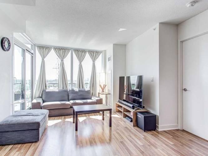 5740 Yonge St- Toronto- Ontario M2M3T3, 2 Bedrooms Bedrooms, 5 Rooms Rooms,2 BathroomsBathrooms,Condo Apt,Sale,Yonge,C4812610