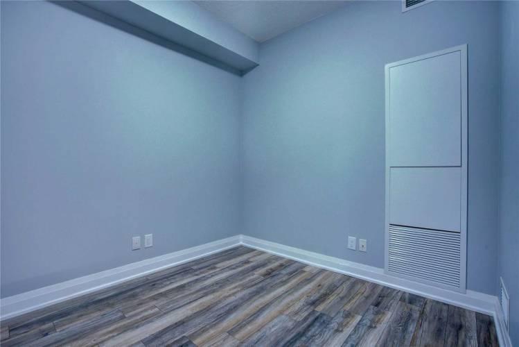 28 Uptown Dr- Markham- Ontario L3R5M8, 1 Bedroom Bedrooms, 5 Rooms Rooms,1 BathroomBathrooms,Condo Apt,Sale,Uptown,N4812364