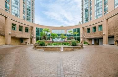 140 Dunlop St- Barrie- Ontario L4M6H9, 2 Bedrooms Bedrooms, 4 Rooms Rooms,1 BathroomBathrooms,Condo Apt,Sale,Dunlop,S4813248