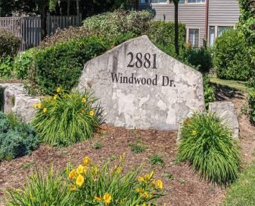 2881 Windwood Dr, Mississauga, Ontario L5N 2K9, 3 Bedrooms Bedrooms, 6 Rooms Rooms,6 BathroomsBathrooms,Condo Townhouse,Sale,Windwood,W4813066