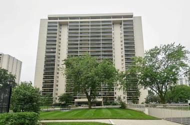 820 Burnhamthorpe Rd- Toronto- Ontario M9C4W2, 2 Bedrooms Bedrooms, 6 Rooms Rooms,2 BathroomsBathrooms,Condo Apt,Sale,Burnhamthorpe,W4813130