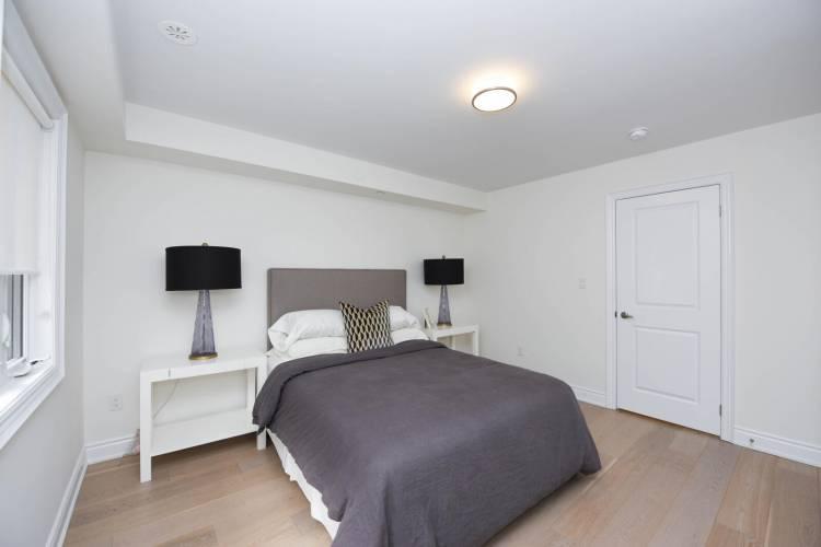 10 Thomas street, Mississauga, Ontario L5M 1Y5, 3 Bedrooms Bedrooms, ,2 BathroomsBathrooms,Att/row/twnhouse,New Construction,Thomas street,6092
