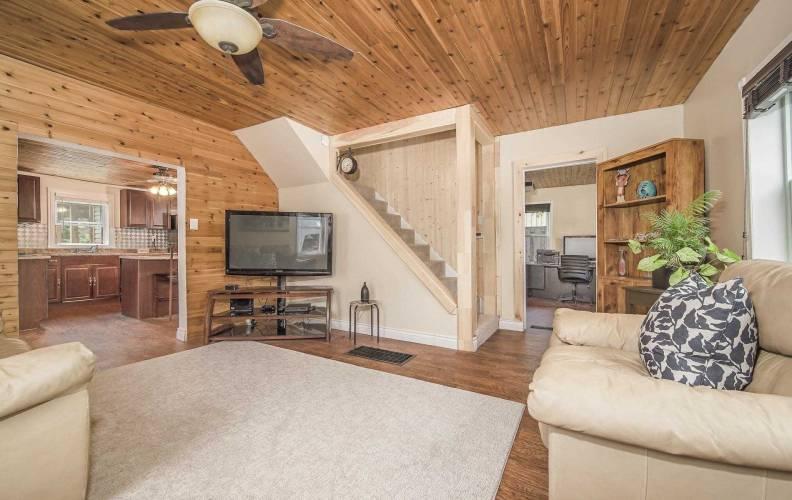 5024 Dow St- Pickering- Ontario L1Y1B2, 3 Bedrooms Bedrooms, 8 Rooms Rooms,2 BathroomsBathrooms,Detached,Sale,Dow,E4749463