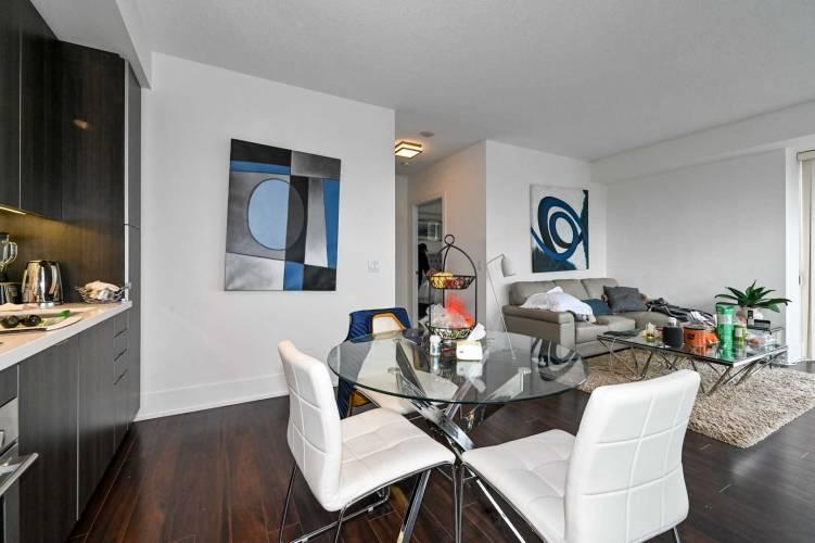 300 Front St- Toronto- Ontario M5V0E9, 1 Bedroom Bedrooms, 4 Rooms Rooms,1 BathroomBathrooms,Condo Apt,Sale,Front,C4765182