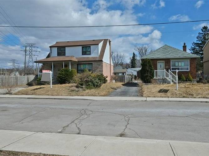 167 August Ave- Toronto- Ontario M1L3N3, 4 Bedrooms Bedrooms, 5 Rooms Rooms,3 BathroomsBathrooms,Detached,Sale,August,E4651773