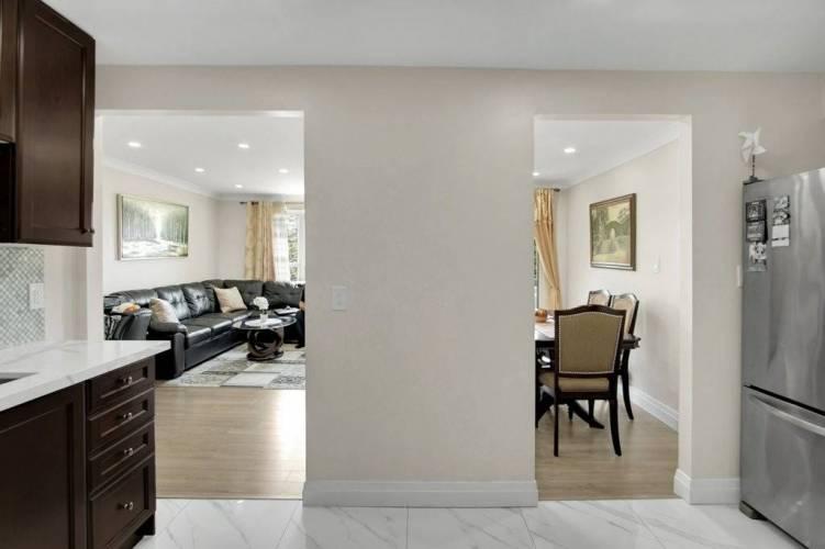 3835 Lake Shore Blvd, Toronto, Ontario M8W1R2, 3 Bedrooms Bedrooms, 6 Rooms Rooms,2 BathroomsBathrooms,Condo Apt,Sale,Lake Shore,W4770493
