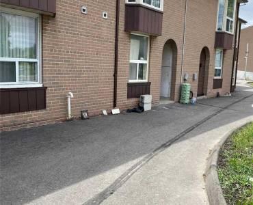 250 John Garland Blvd, Toronto, Ontario M9V1N8, 3 Bedrooms Bedrooms, 6 Rooms Rooms,2 BathroomsBathrooms,Condo Townhouse,Sale,John Garland,W4775105